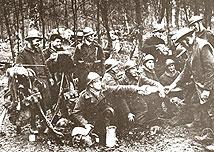 Французские солдаты в касках М 15