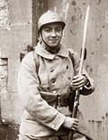 Французский солдат в каске М 15